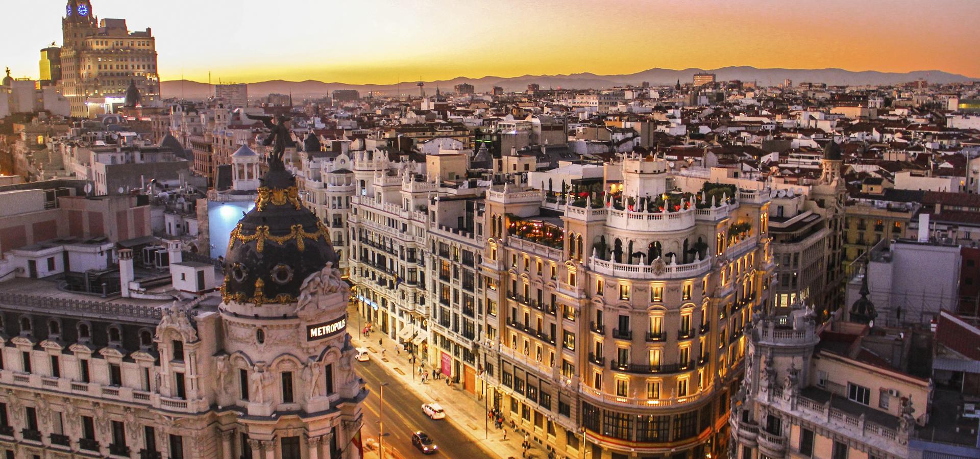 panorámica skyline atardecer madrid agencia inbound